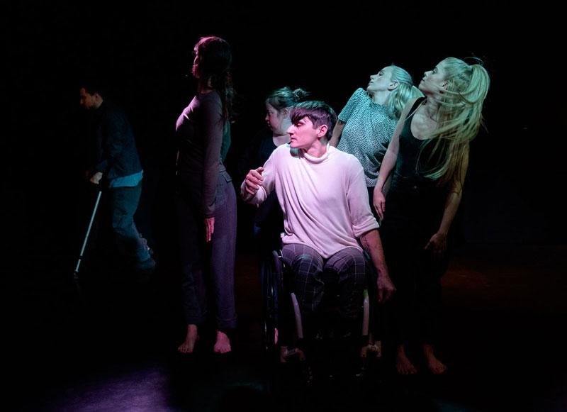 Απόηχος – Έξις Ομάδα Χορού